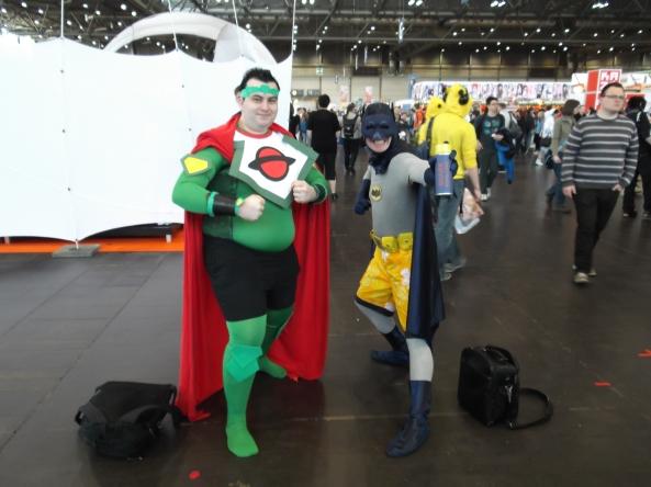 Batman mit seinem Anti-Hai-Batspray